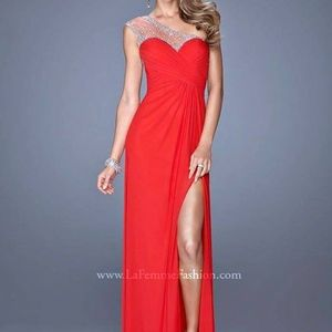 La Femme Size 2 Red Formal Dress
